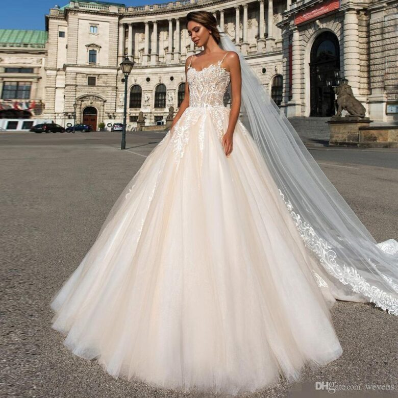 Wedding Ball Gowns With Straps: 21 Best Ball Gown Wedding Dresses In 2019