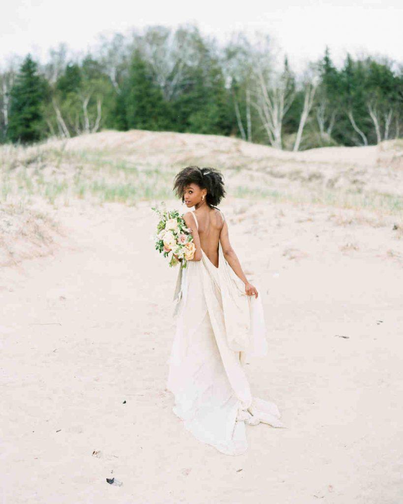 21 Best Beach Wedding Dresses For 2019/2020