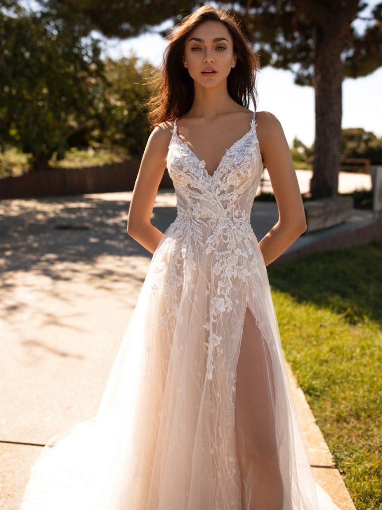 21 Best Beach Wedding Dresses For 2019/2020 - Royal Wedding