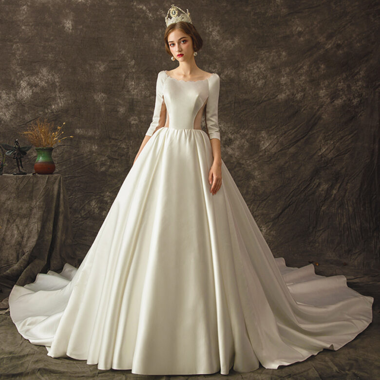 15 Best Wedding Dresses From $300